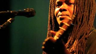 Tracy Chapman - Still I Cry (with lyrics)