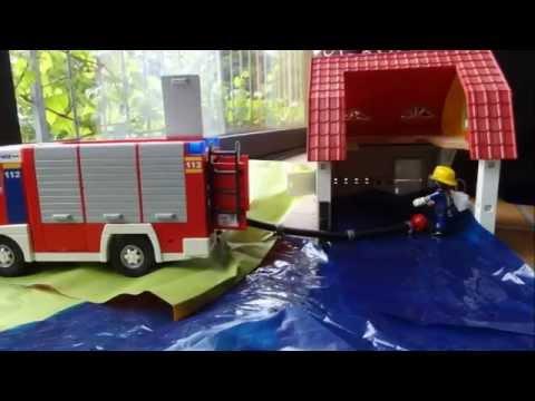 playmobil feuerwehr wasserrettung und wohnungsbrand bei. Black Bedroom Furniture Sets. Home Design Ideas