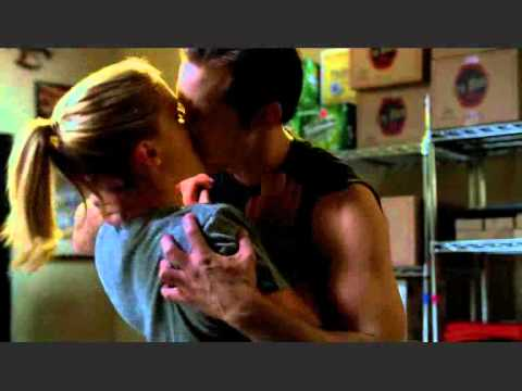 Eric and Sookie first KISS !!