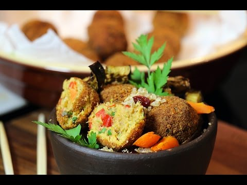 boulettes-au-thon-croustillantes,-salade-de-quinoa-et-légumes
