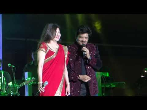 Udit Narayan Alka Yagnik Live Chand Chupa Badal Mein Best Live Performance Mp3
