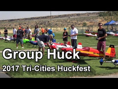 Group Huck at the 2017 Tri-Cities Huckfest
