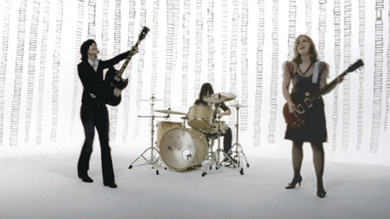 sleater-kinney-jumpers-official-video-subpoprecords