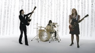 Sleater-Kinney - Jumpers [OFFICIAL VIDEO]