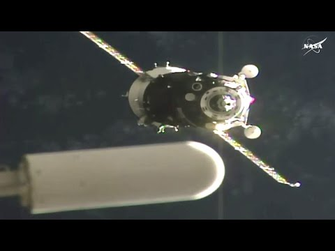 Final Automated Approach #Soyuz MS-01 Docking - ISS Expedition 48-49