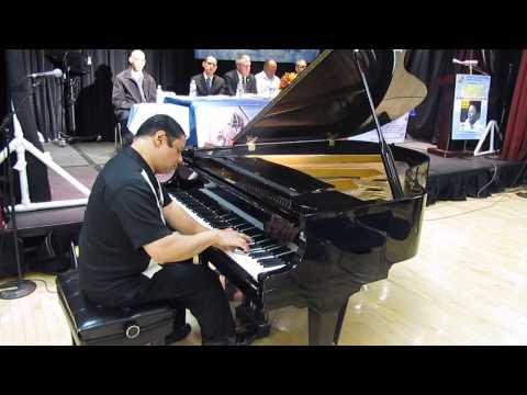 EL CHOCLO Tango  Juan Valencia Pianist