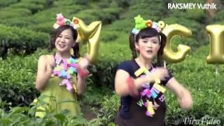 Gambar cover Happy CNY Edite  M girls 四个女生 (VTK2015)