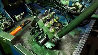 Погрузчик МКСМ 800 ремонт распределителя.
