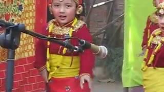 Choli ramro palpali dhaka ko - Dance by Akshya Shah and group