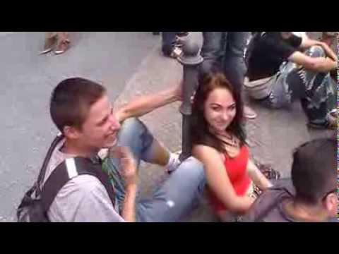 Macht Cannabis glücklich ? JAAA..Video ansehen  Meine Wahl Hanf Legal Hanfparade Berlin