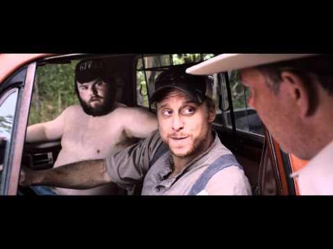 """Vidéo TUCKER & DALE FIGHTENT LE MAL - Extrait 1 - VF Dirigé par MARC SAEZ Marc SAEZ voix de TYLER LABINE """"TUCKER"""""""