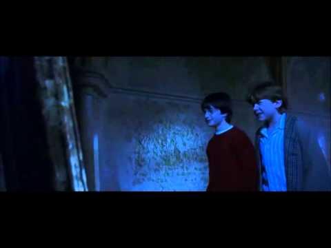 Harry potter l 39 ecole des sorciers ron regarde dans le for Miroir harry potter