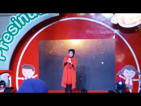 Indah Nevertari - Flashlight cover live makassar