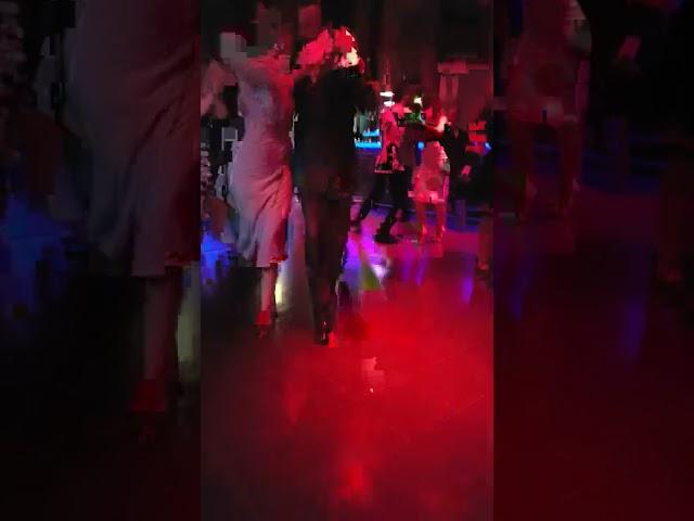 Pasos de tango para milonguear en la pista de la milonga 1 #shorts