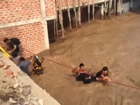 Raw: Dozens Rescued After Heavy Flooding in Peru