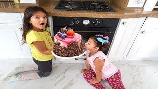 Masal'ın Pastasını Kim Yedi! - Play House bought Cake - Funny Kids Video