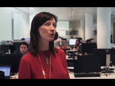Who works in the Amazon offices in Italy? - With English subtitles