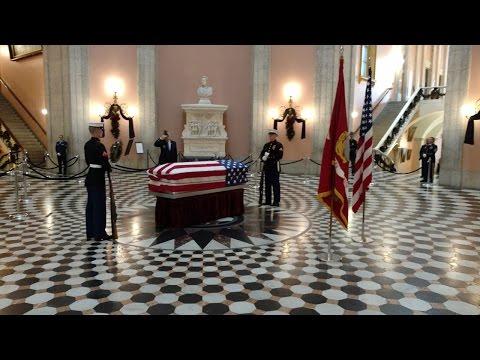 John Glenn lies in repose at Ohio Statehouse