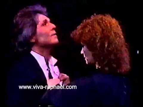 """Raphael en """"XXV Aniversario"""" en Santiago Bernabeu (Madrid). 1985"""