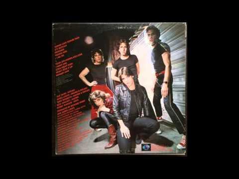 radioactive ost. Трек Sue Saad - Guilty Pleasures (Radioactive Dreams ost, vinil rip) в mp3 320kbps