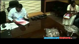 Election Candidate in Madurai Paying Nomination Fees as One Rupee Coins