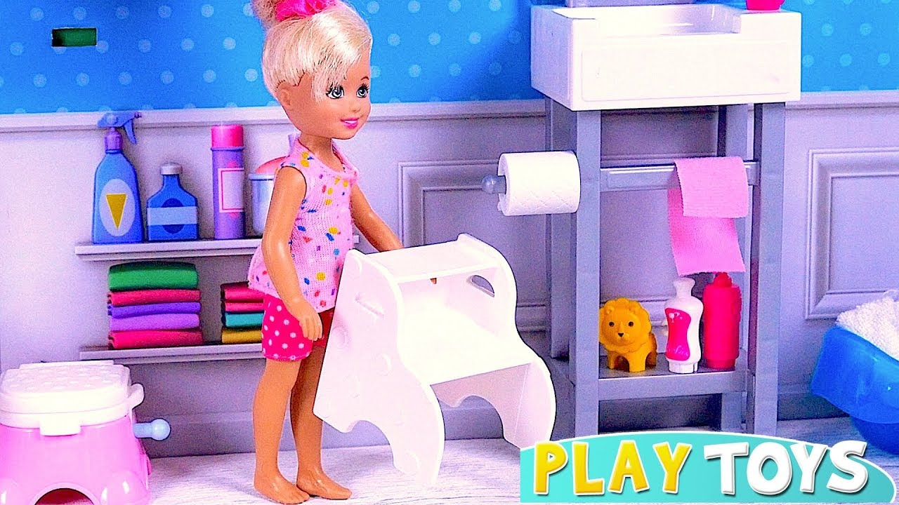 d6eefa70dbcd Barbie Baby Doll Chelsea Morning Routine in the Bathroom! 🎀 - YouTube