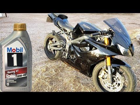 Triumph Daytona  - Oil Change