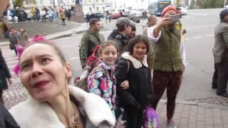 Безумная свадьба в центре Москвы )
