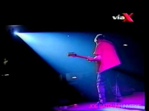 "Joe Satriani - ""Love Thing"" & ""Bass Solo"" (Live in Santiago)"