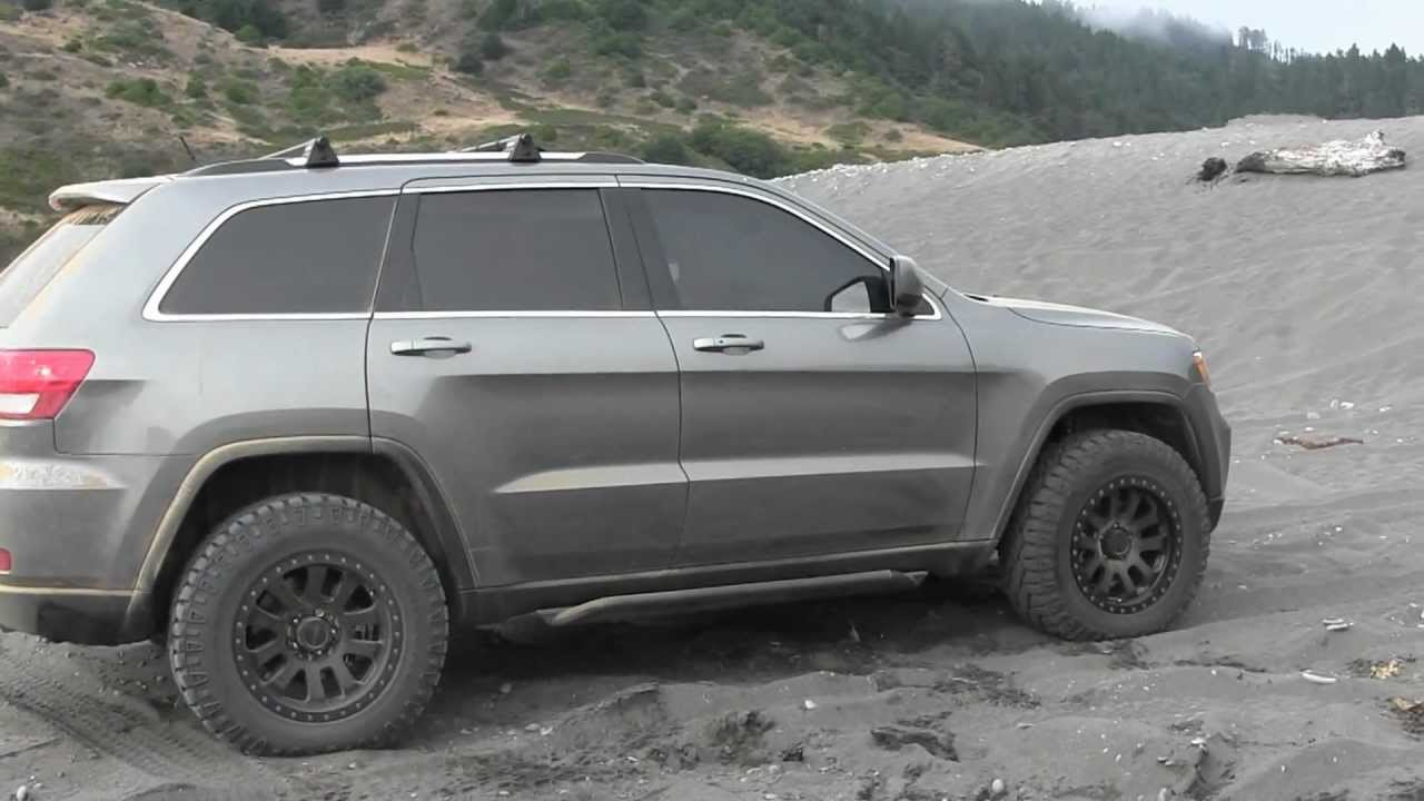 2012 grand cherokee wk2 fun the dunes youtube. Black Bedroom Furniture Sets. Home Design Ideas