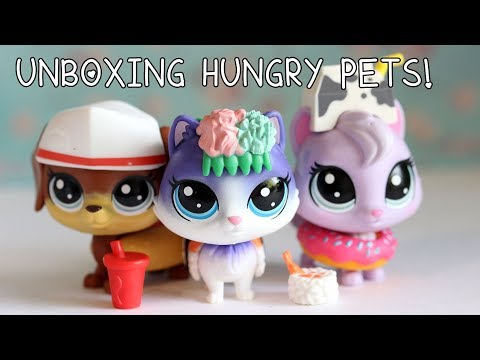 Unboxing 12 Hungry Pets Littlest Pet Shop Blind Bags!