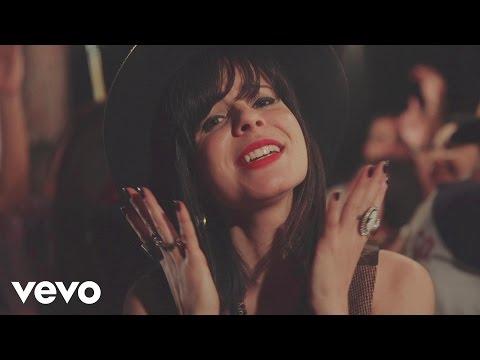 marcela-tais---ame-mais,-julgue-menos-(videoclipe)