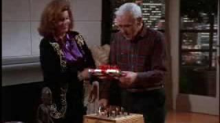 """Frasier cuarta temporada capitulo 9 """"Papa Ama a Sherry y los Niños Lloriquean"""" 3/3 (Audio Latino)"""