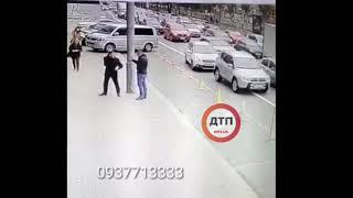 Полное видео масштабного ДТП в Киеве на Леси: бешеный автокран без тормозов.   В итоге оформлены 17