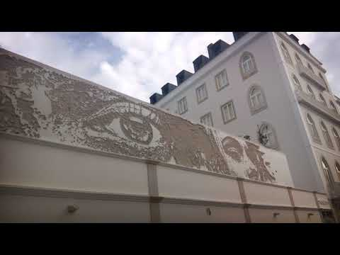 Fantastic work by the Portuguese artist Vhils in Lisbon!