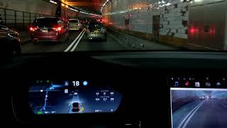 TESLA 🚗 AutoPilot vs. HOLLAND TUNNEL | NYC 🗽🏢🏬
