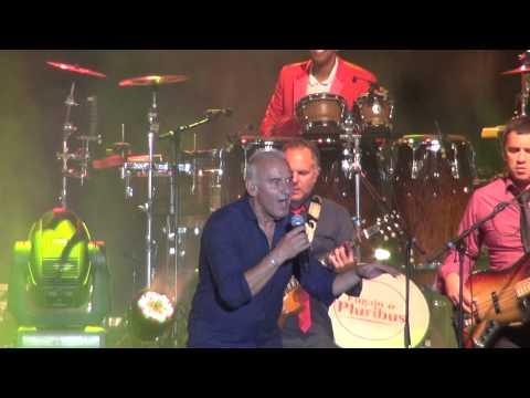 Michel Fugain & Pluribus - Viva la vida - Concert Béziers 2015