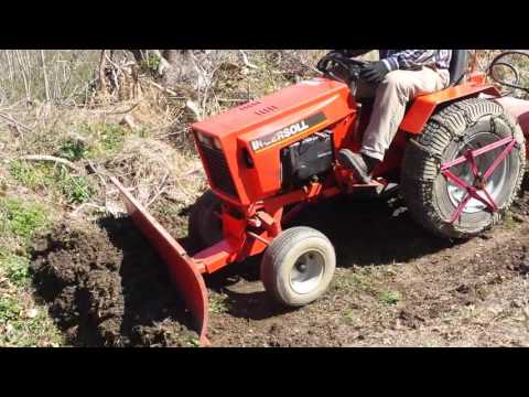 Case 446 Ingersoll Garden tractor Working the blade YouTube