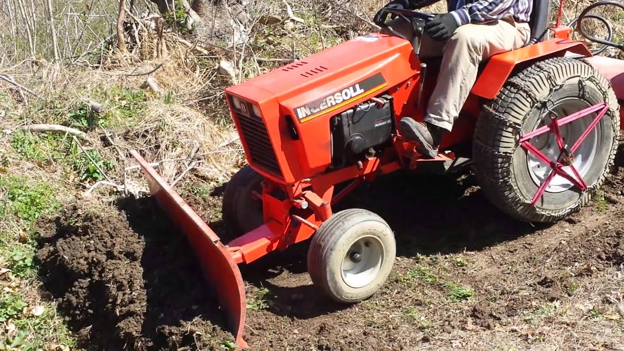 Case 446 Garden Tractor : Case ingersoll garden tractor working the blade