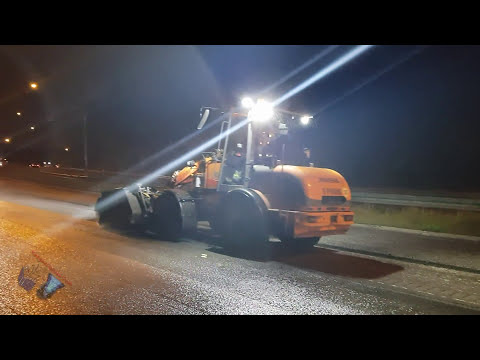 SWEDISH SKANSKA + WIRTGEN MILLING MACHINE to repave and resurfacing asphalt!
