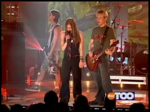 Avril Lavigne - Nobody's Fool (Teen Nick Concert 2002)