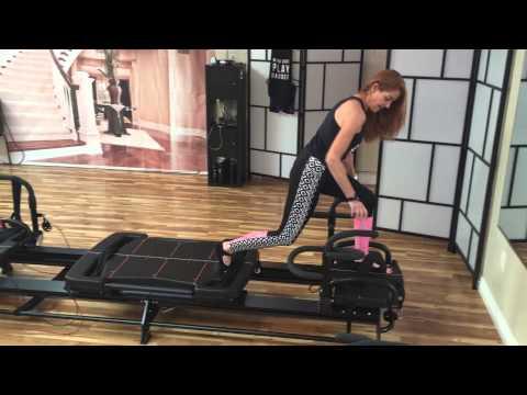 Runner's Lunge on Megaformer @Transform Fitness