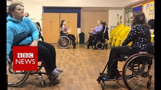 Wheelchair dance tips for new bride - BBC News