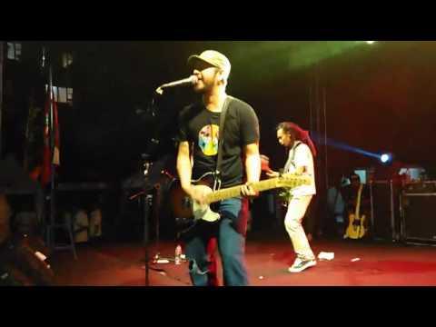 Cozy Republic   Hitam Putih Live In Unpas Bandung