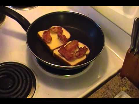 Bacon & Egg Grilled Cheese Sandwich - YouTube
