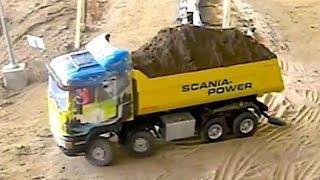 RC Truck SCANIA 8x8 fights through the sand - Big RC Fun!