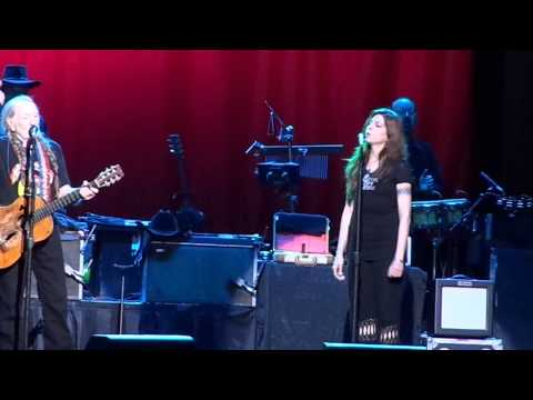 WILLIE NELSON & FAMILY @ Eastman Theatre in Rochester, NY on 7/21/2013