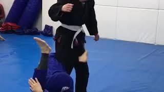 Delariva guard drill:柔術 デラヒーバガード thumbnail