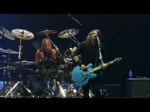 Let It Die & All My Life Foo Fighters@Richmond VA Coliseum 101417
