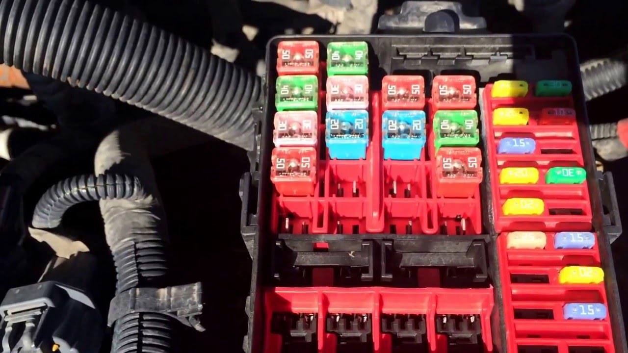 Ford Crown Victoria Fuse Box Location Under Hood